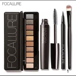 🆕Focallure 4pcs pro Makeup kit